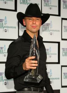 Kenny+Chesney+42nd+Annual+CMA+Awards+Press+MP-bA-nT_qKl